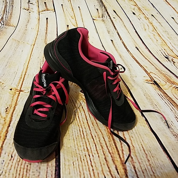 e570aaca0f6af Reebok moving air shoes 7.5. M 5bf3ca15a5d7c6c011856941